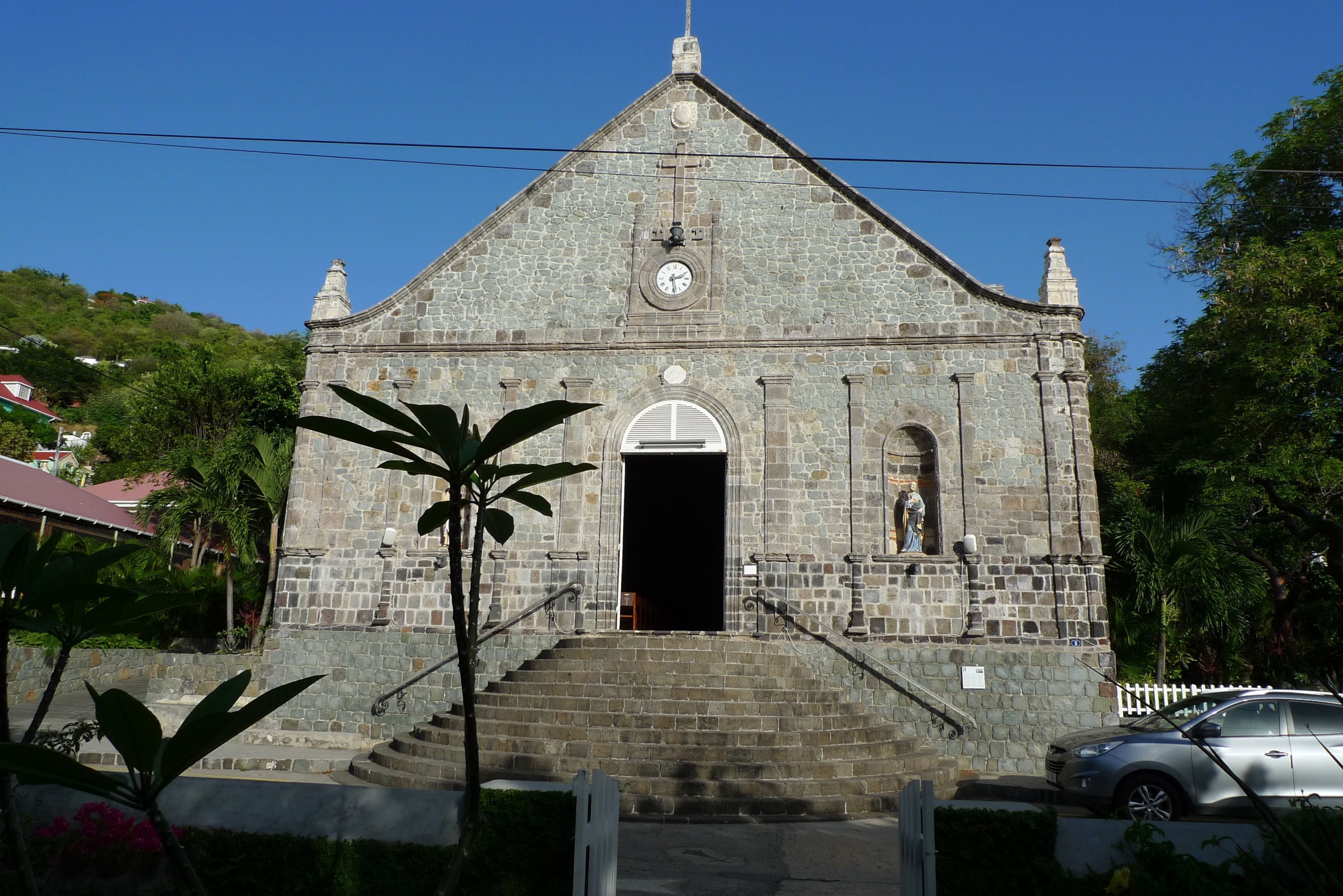 Notre Dame de l'Assumption built in 1829 and renovated after hurricane damage in 1837. Foundations are more than 2 meters to mitigate damage by waves during hurricanes. Architecture is Spanish influenced, making this an unusual church in the French West Indies.