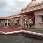Harripaul took us to this magnificent temple (Dattatreya Mandir). It is quite close to Sylvia's home.