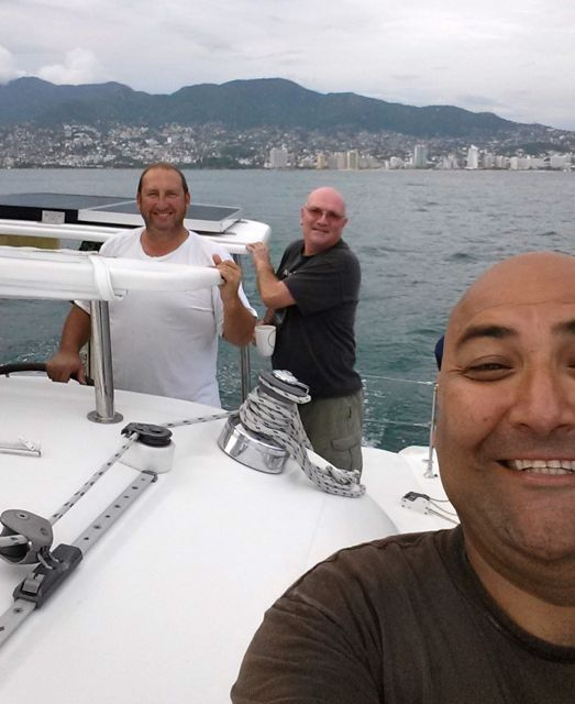 "Renan's ""selfie with friends"" taken leaving Acapulco."